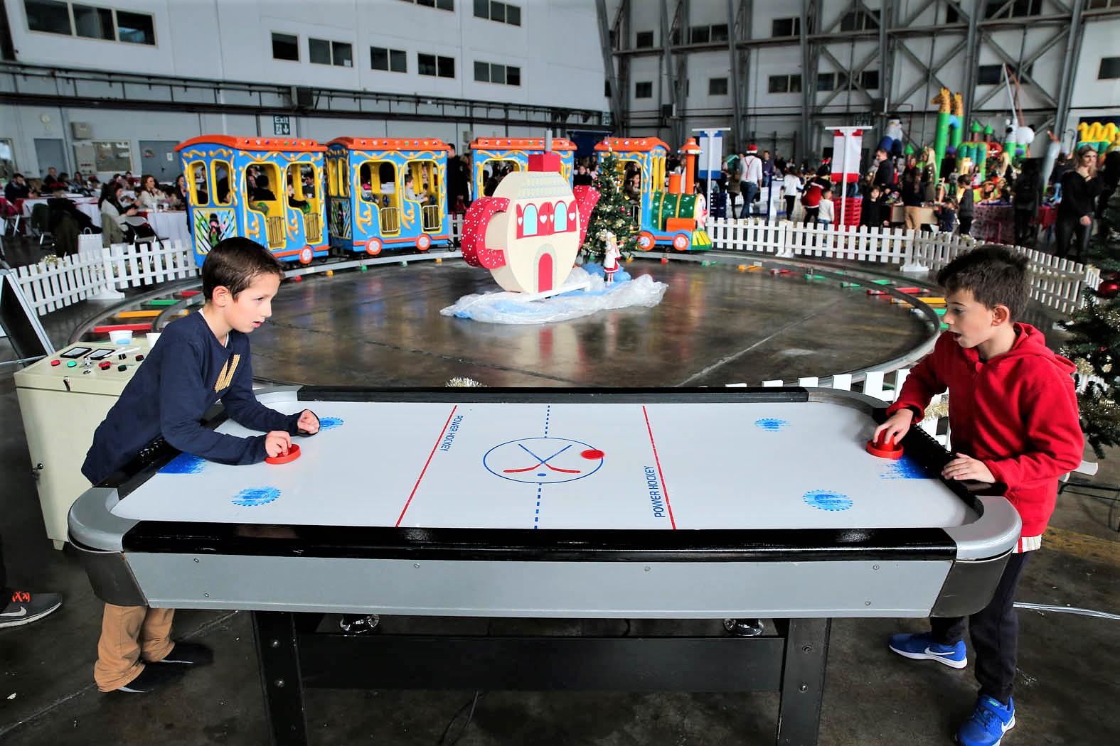 Παιχνίδια για πάρτυ : Air Hockey