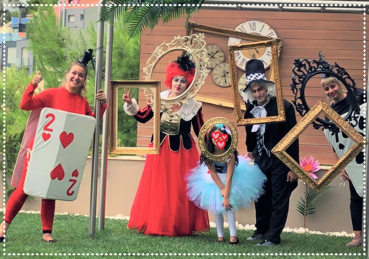 Παιδικό πάρτυ με θέμα ALICE, QUEEN OF HEARTS και MADHATTER (αρχείο ΔΕΛΦΙΝΑΚΙΑ)