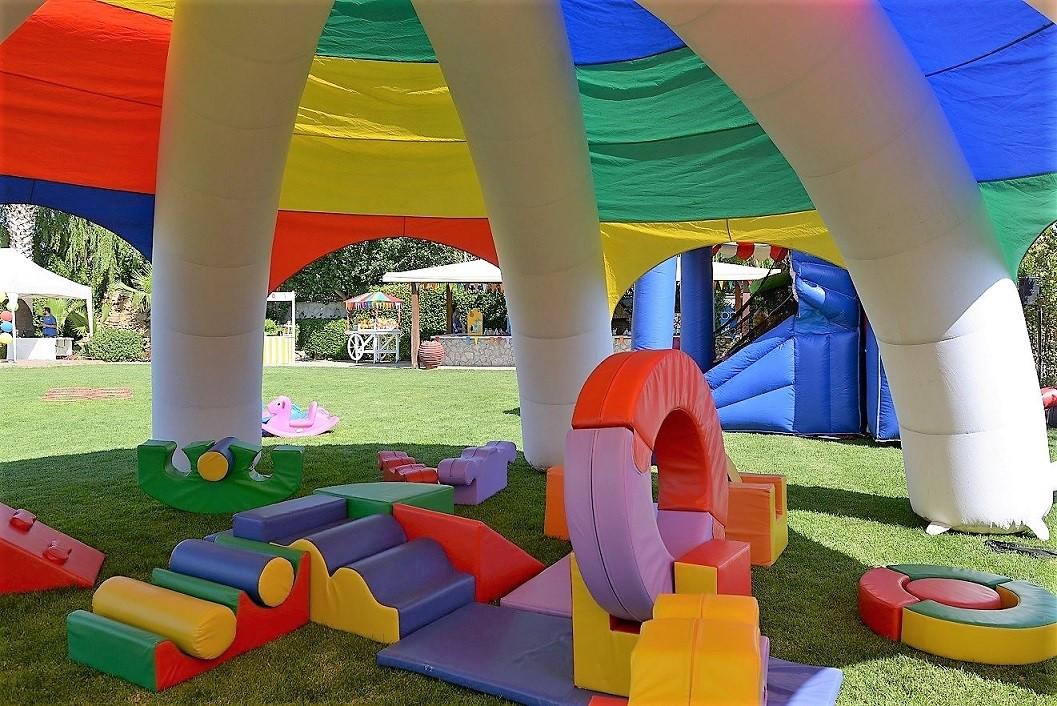 Παιδικό πάρτυ με θέμα ΛΟΥΝΑ ΠΑΡΚ για μικρά παιδάκια (από το αρχείο μας)