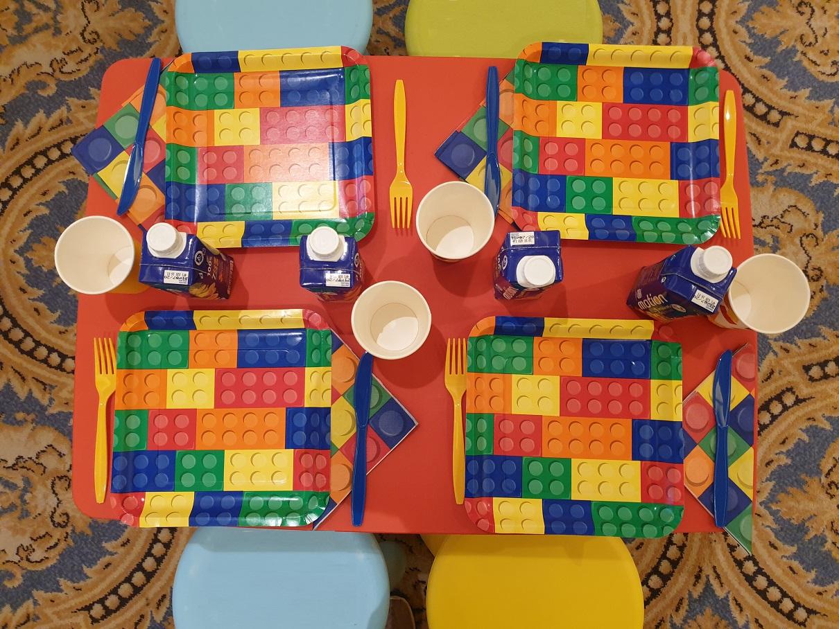 Παιδικά επιπλάκια IKEA Mammut με θεματική διακόσμηση