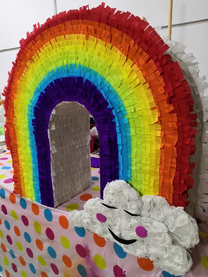 Πινιάτα Ουράνιο Τόξο για παιδικό πάρτυ