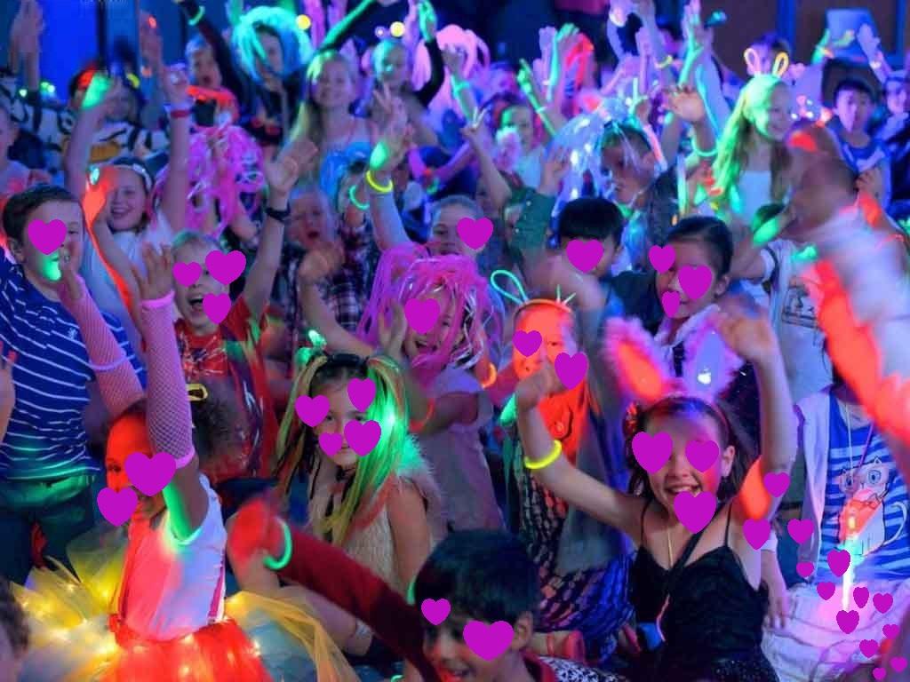 Παιδικό πάρτυ με μουσική και χορό : DISCO FEVER
