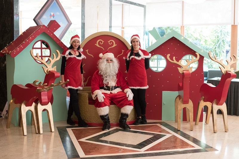 Χριστουγεννιάτικος κόκκινος θρόνος