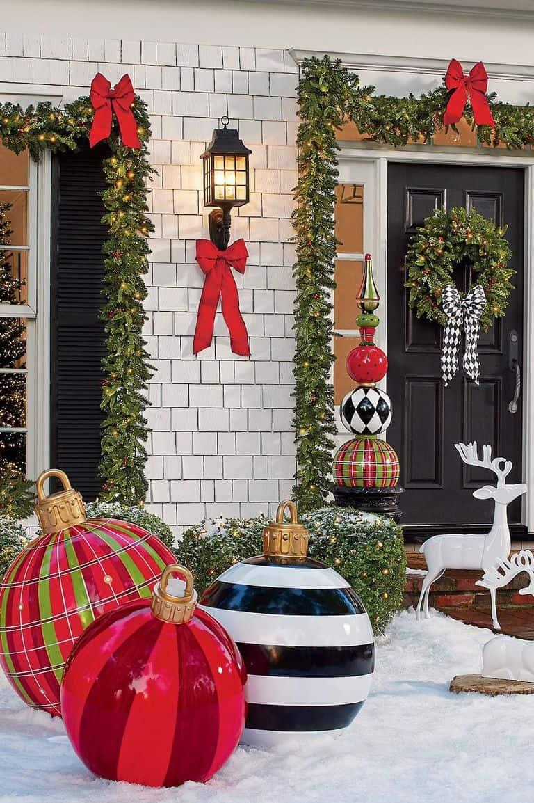 Γιγάντιες χριστουγεννιάτικες μπάλες