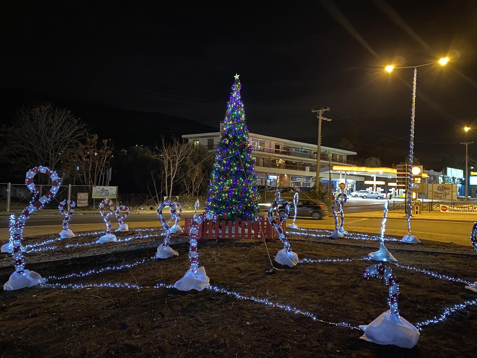 Χριστουγεννιάτικο δέντρο στο ΠΟΡΤΟ ΡΑΦΤΗ 2020