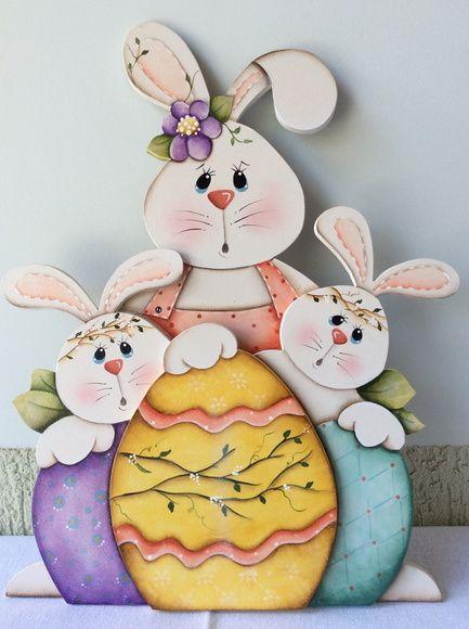 Bunny Family με αβγό 2μετρη σύνθεση