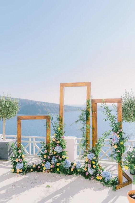 Στολισμός εκκλησίας : Ξύλινες κορνίζες backdrop