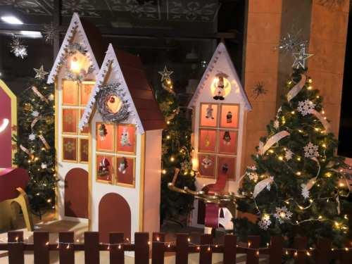 Χριστουγεννιάτικη Διακόσμηση Βιτρίνας και Καταστήματος 1