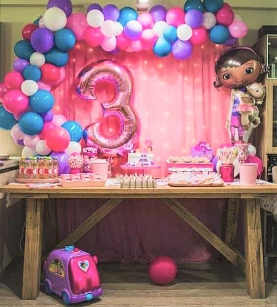 Διακόσμηση CANDY BAR με μπαλόνια : ΜΙΚΡΗ ΓΙΑΤΡΟΣ