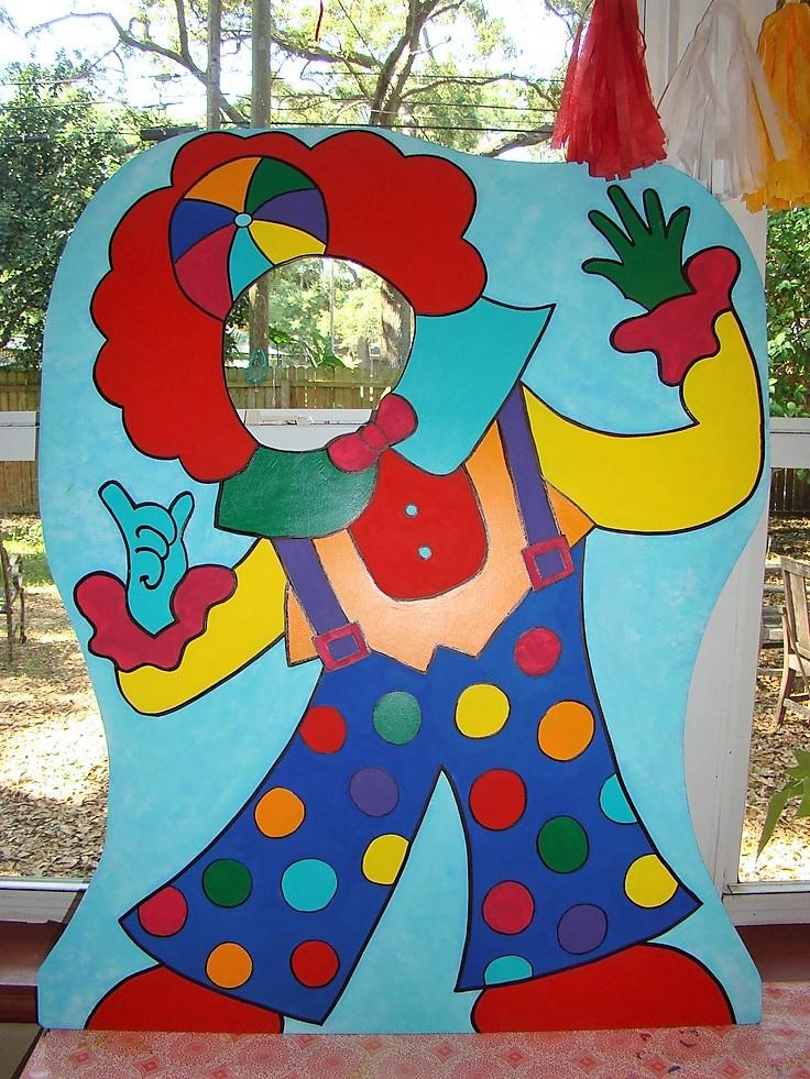 Clown cut out 1