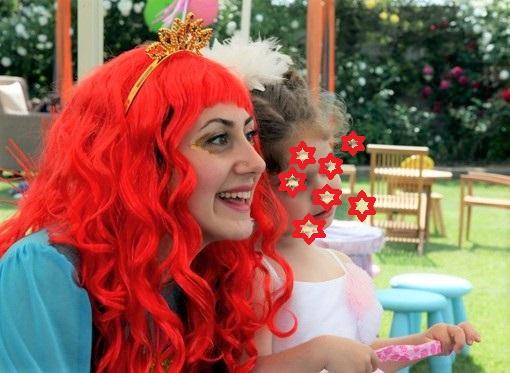 Κλόουν - Ανιματρίς για παιδικό πάρτυ με στολή ΓΟΡΓΟΝΑΣ